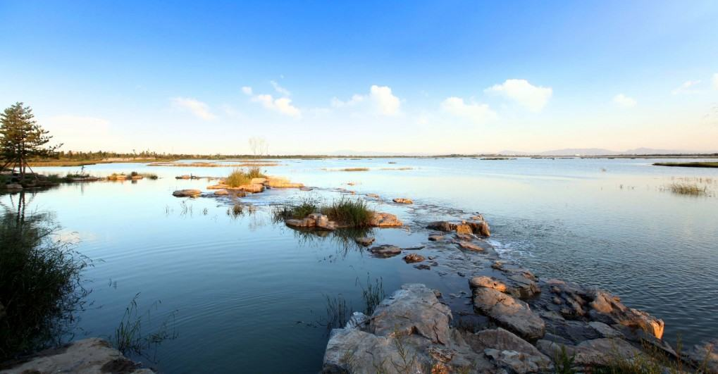 Wenying Lake