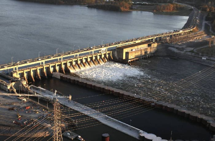 AECOM (legacy Shimmick) is performing this project, the replacement of the existing Tennessee River lock designed by the U.S. Army Corps of Engineers.