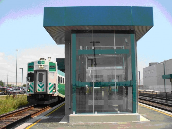 Bronte GO Station – East and West Entrance Rehabilitation and Extension