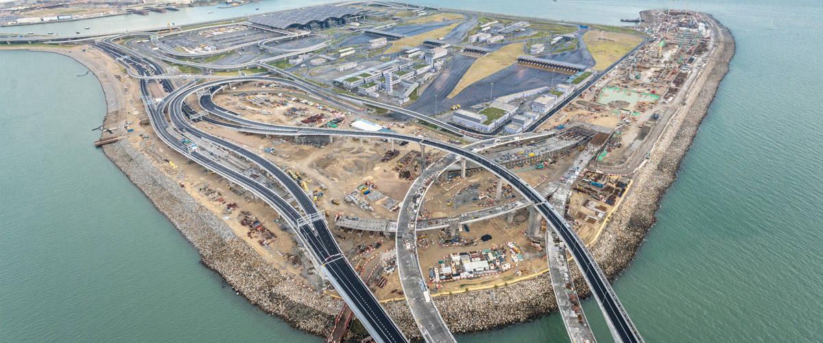 Hong Kong Zhuhai Macao Bridge aecom header4
