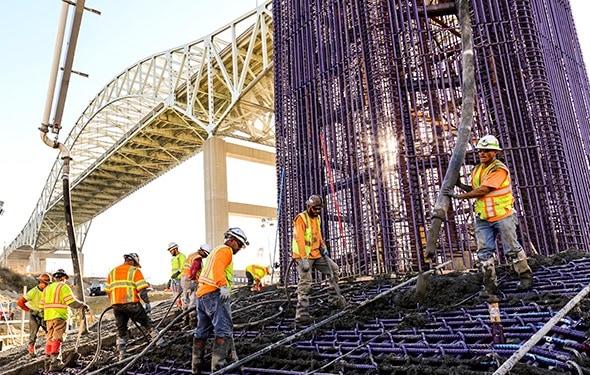 Gerald Desmond Bridge Replacement Workers