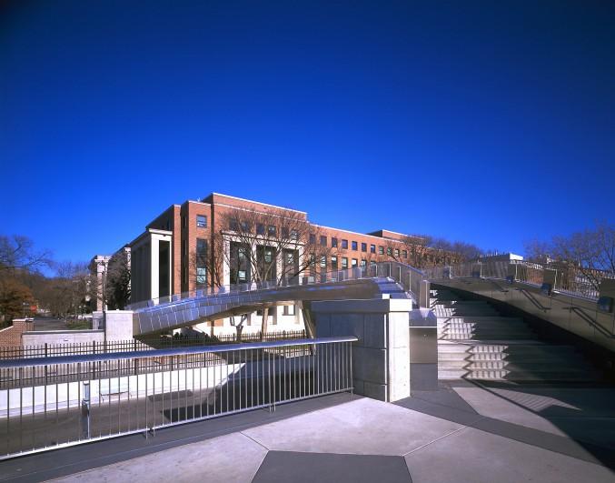 Washington Avenue Pedestrian Bridge - University of Minnesota